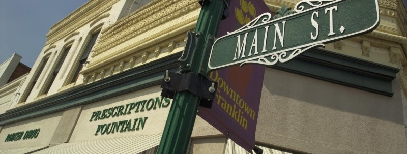 downtown-franklin-main-street-sign